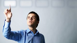 職場で片思いの男性の脈ありサイン!男の好意の行動と仕草9つ