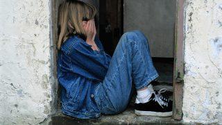 自分から振ったのに辛い…涙が出る理由・心理・対処法まとめ